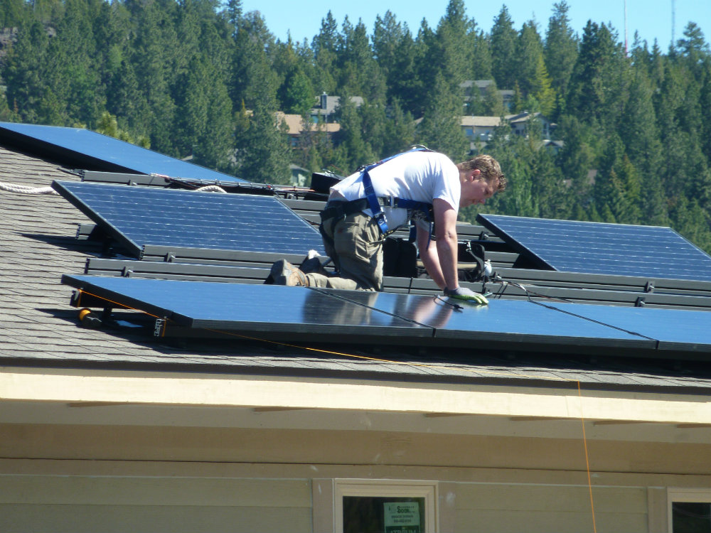 Solaire Homes PV Panel Install-1000x750
